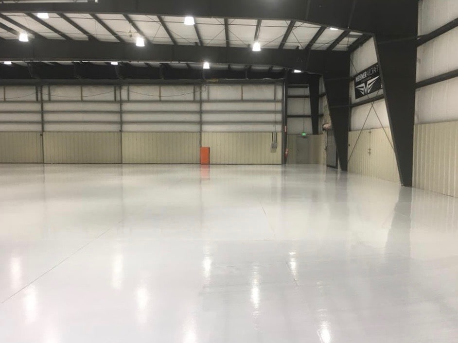 25-Meisner-Aircraft-Inc.-hangar-bay-neat-by-American-Floor-Coatings-2-min